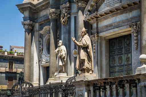 St. Peter cathedral statues